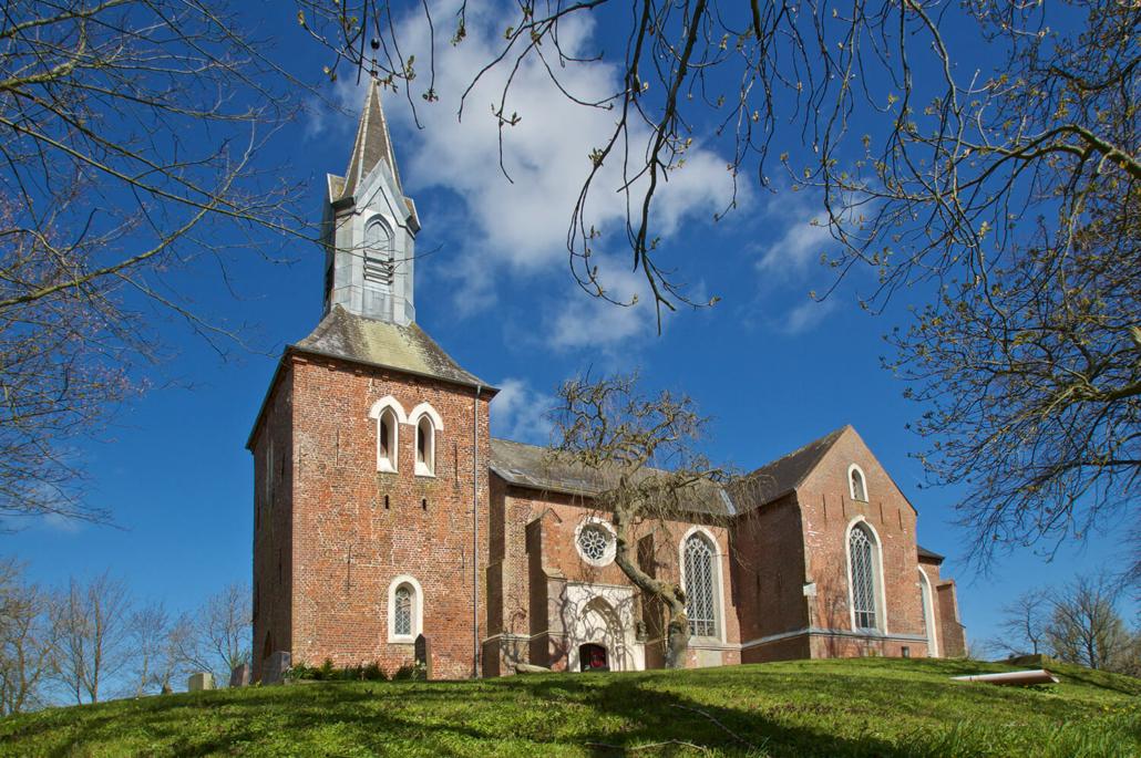 allein 3,7 Mio Euro kostet die Sanierung der einsturzgefährdeten Kirche in Kotzenbüll