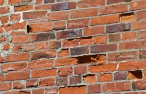 ausgewaschene Mauersteine