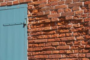 Kirche Tönning zerstörtes Mauerwerk